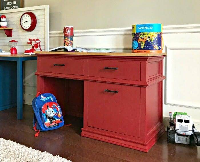 18. DIY Wooden Kids Desk With Drawers