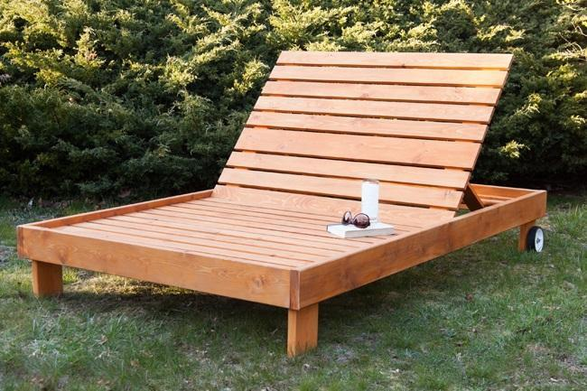 19. DIY Outdoor Chaise Lounge