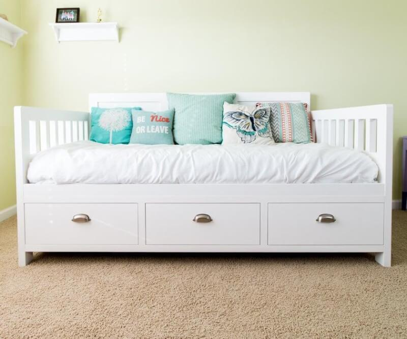 2. DIY Bed With Storage