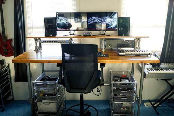 2. Reclaimed Wood DIY Studio Desk