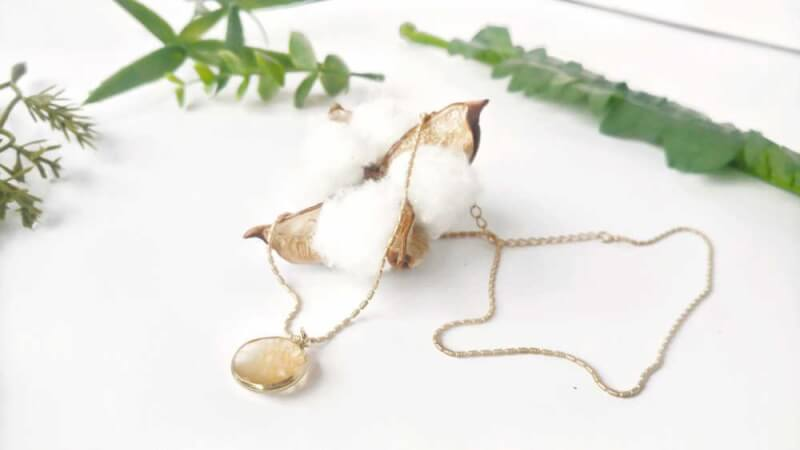 21. DIY Delicate Necklace