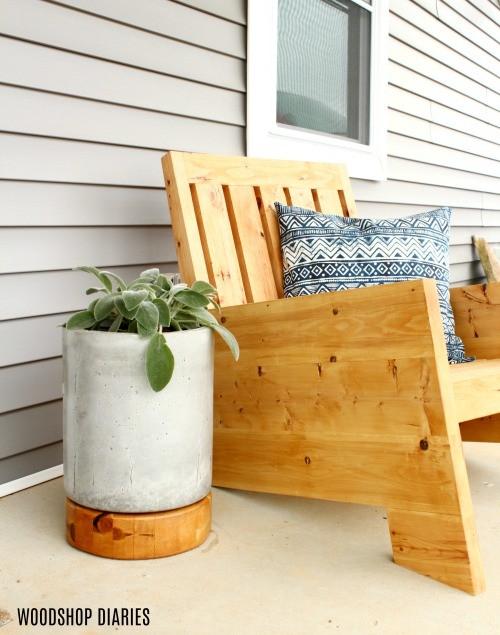 23. DIY Modern Outdoor Chair