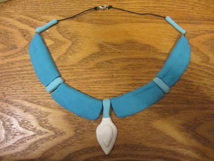 23. DIY Pocahontas Necklace