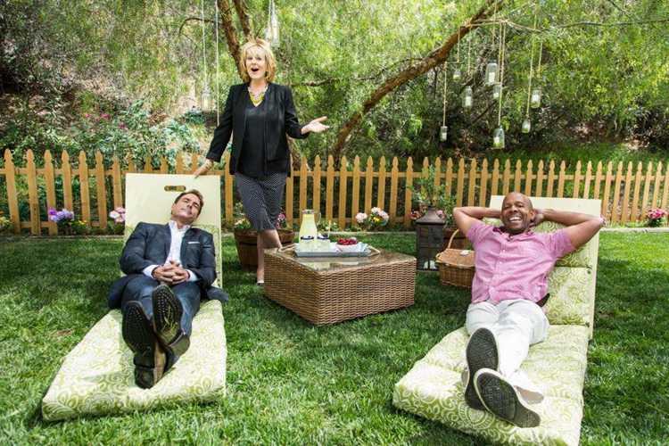 25. DIY Lounge Chairs