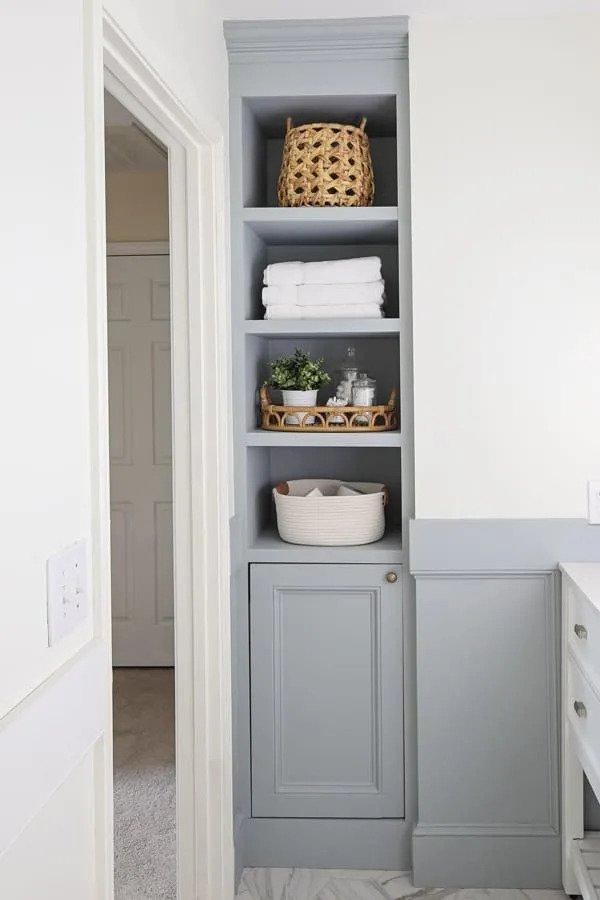 28. DIY Bathroom Shelves