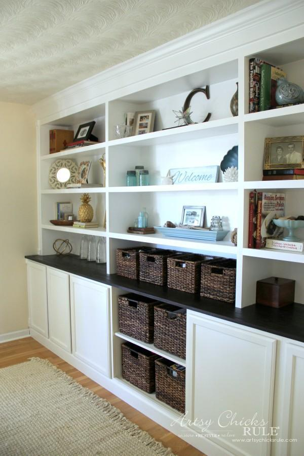 7. DIY Built In Bookcases