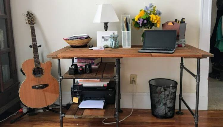9. DIY Desk With Industrial Pipe