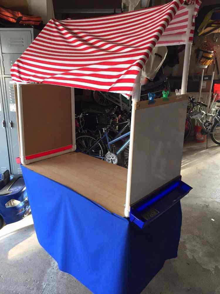 14. DIY Lemonade Stand On Cart