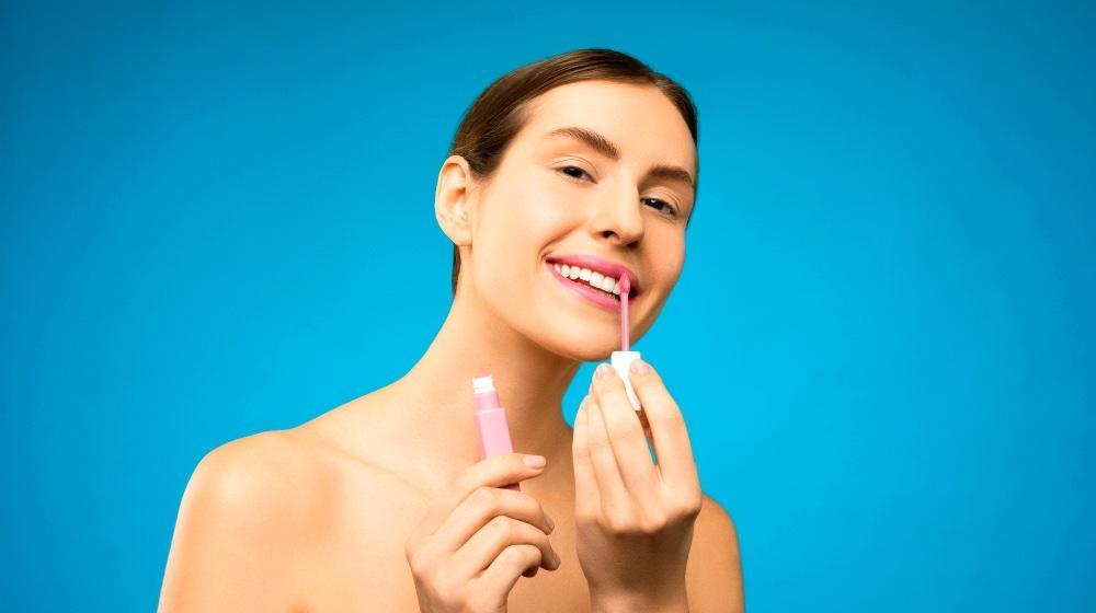15. DIY Natural Lip Gloss
