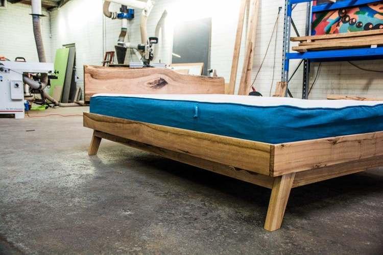 15. DIY Queen Size Platform Bed
