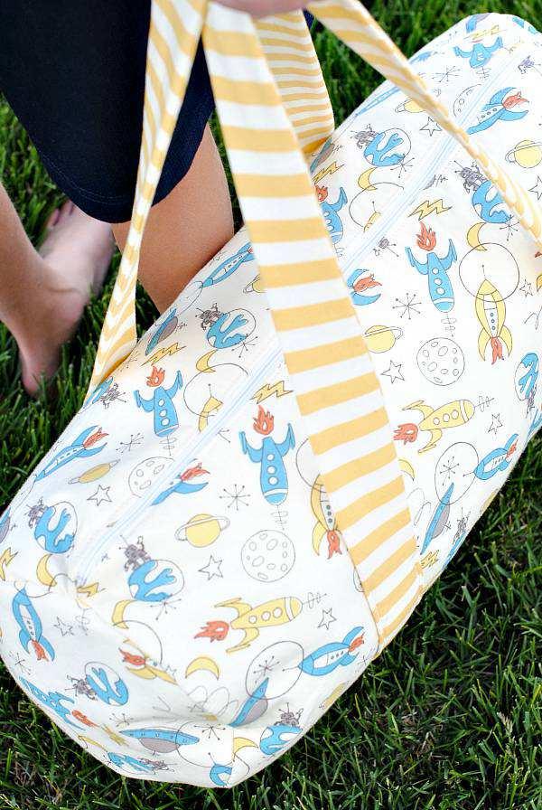 17. DIY Kids Duffle Bag
