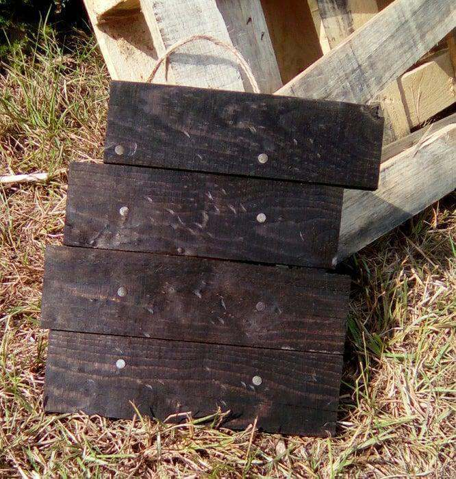 17. DIY Pallet Wood Sign