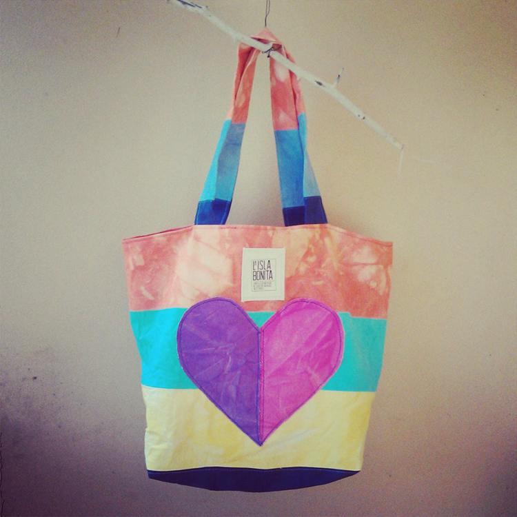 19. DIY Beach Tote Bag