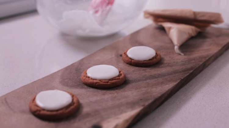 2. How To Make A Piping Bag