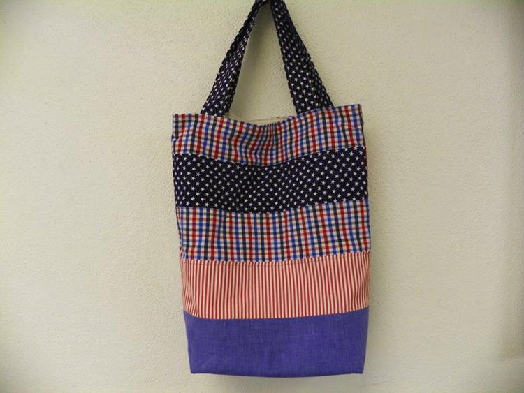 20. DIY Patriotic Tote Bag