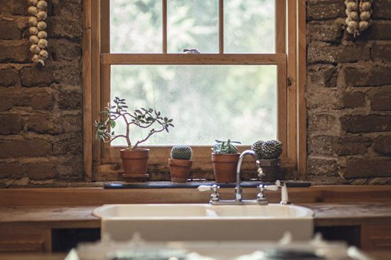 5 Things You're Ignoring That Are Making Your Kitchen Look Dirty01