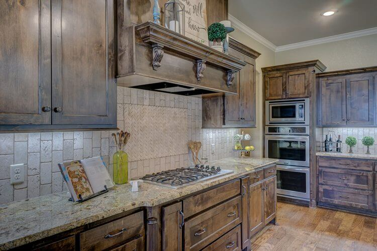 5 Things You're Ignoring That Are Making Your Kitchen Look Dirty04