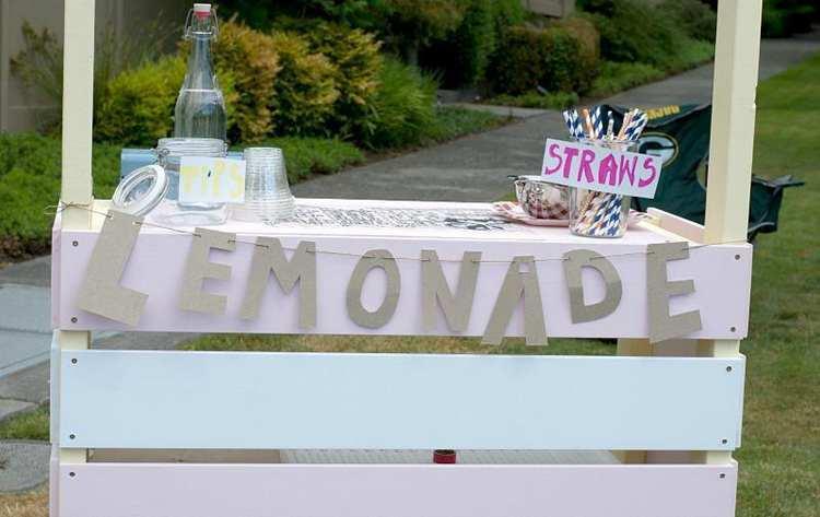 6. DIY Rolling Lemonade Stand