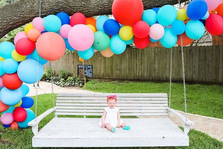 11. DIY Balloon Garland Tutorial