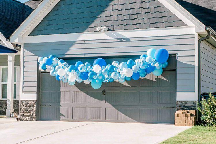 12. DIY Balloon Garland