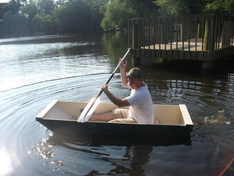 14. DIY Simple Boat