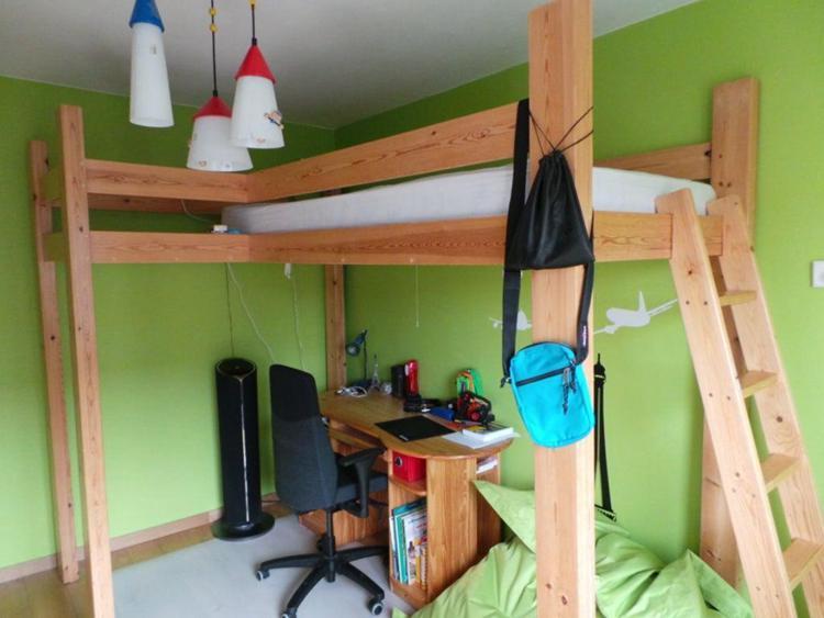 15. DIY High Platform Bed