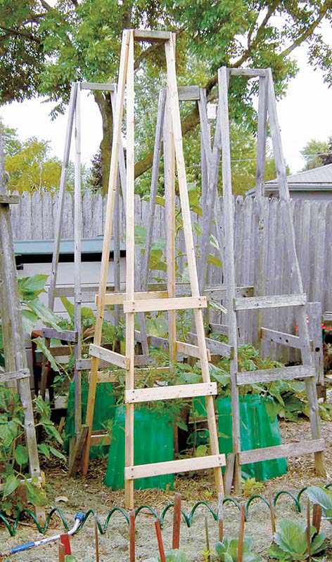 17. How To Make Folding Tomato Cages