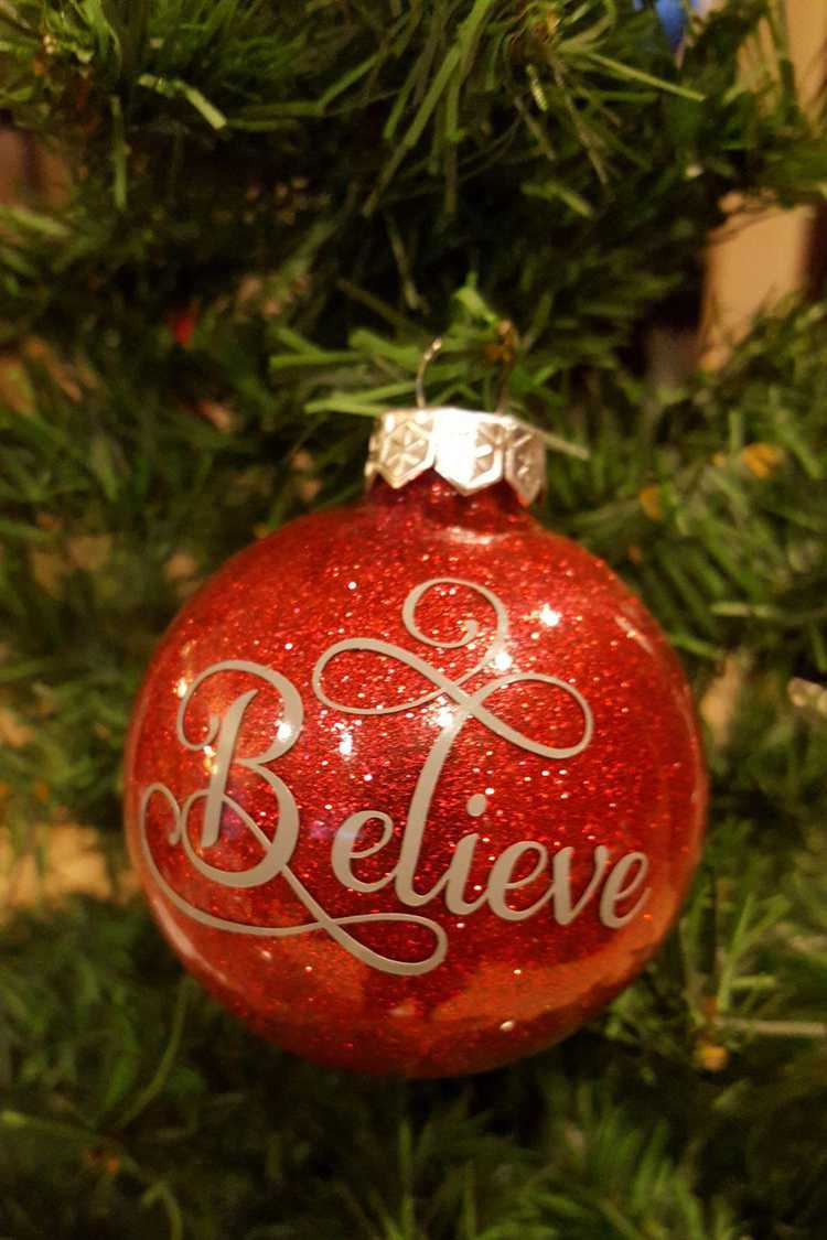 21. DIY Red Glitter Ornament