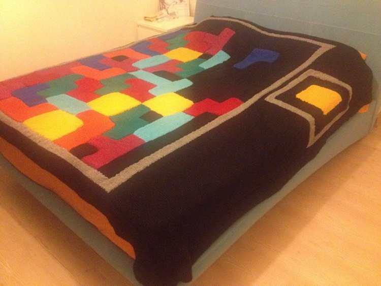 22. DIY Tetris Blanket