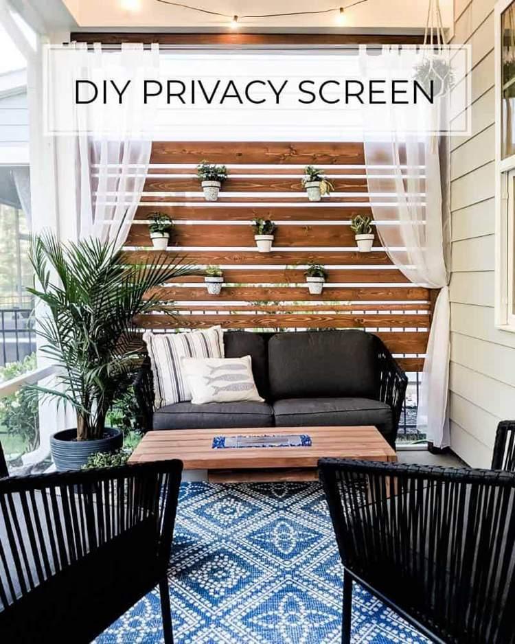 22. DIY Wooden Privacy Screen