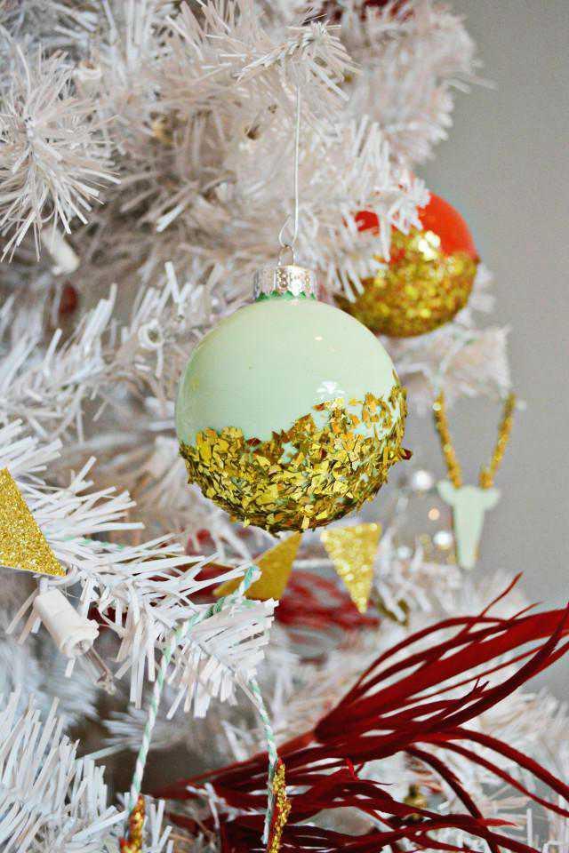 23. DIY Dipped Glitter Ornament