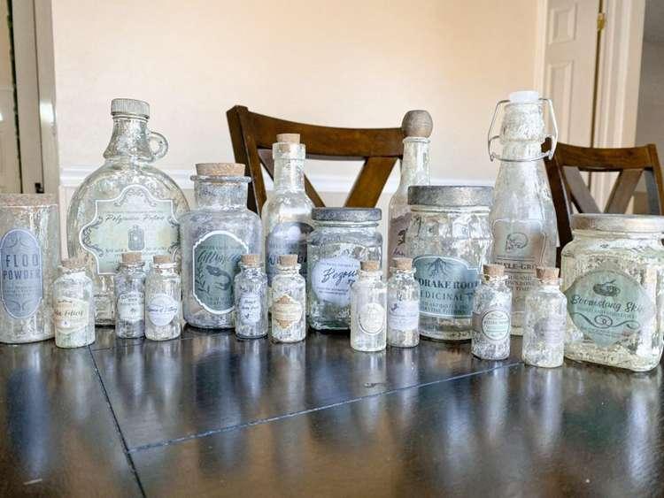 25. DIY Harry Potter Potion Bottles