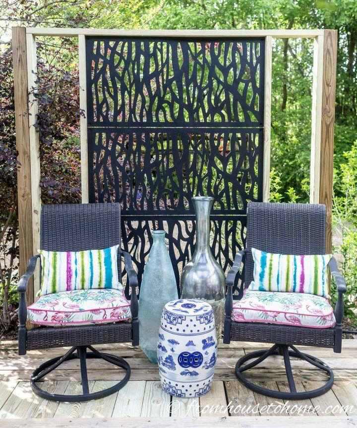 29. DIY Decorative Outdoor Privacy Screen