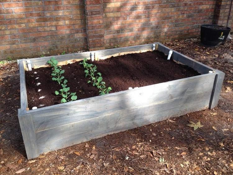 29. DIY Raised Bed Wicking Garden