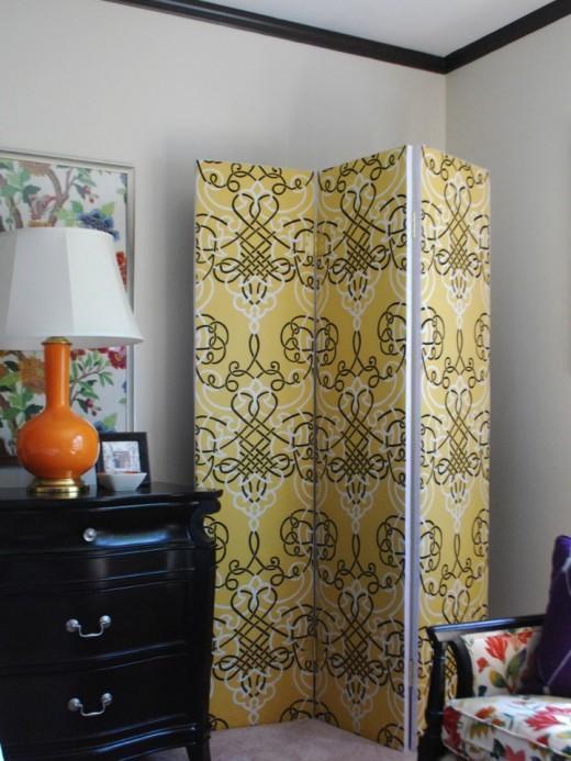 30. DIY Multifunctional Room Divider