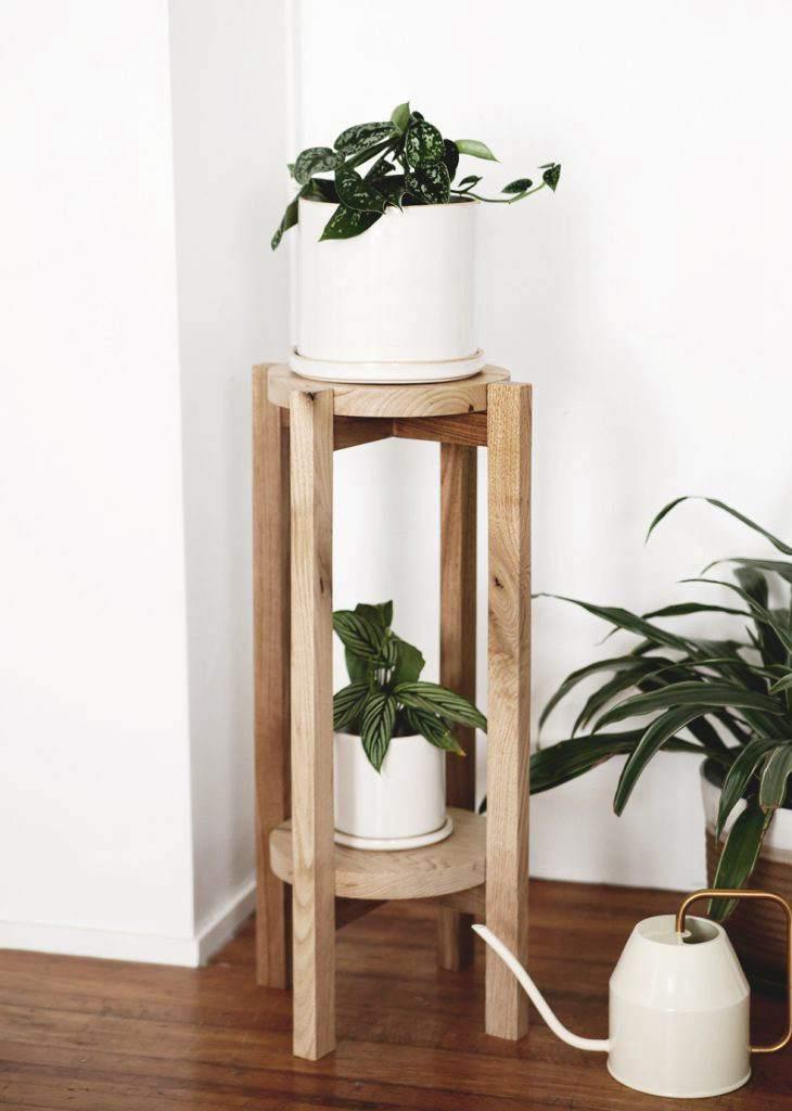 31. DIY Wood Plant Stand