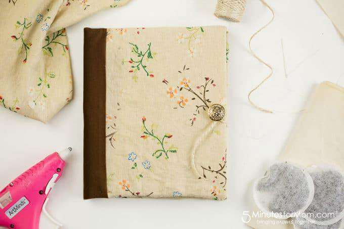 31. How To Make A DIY Journal With Tea Stained Paper