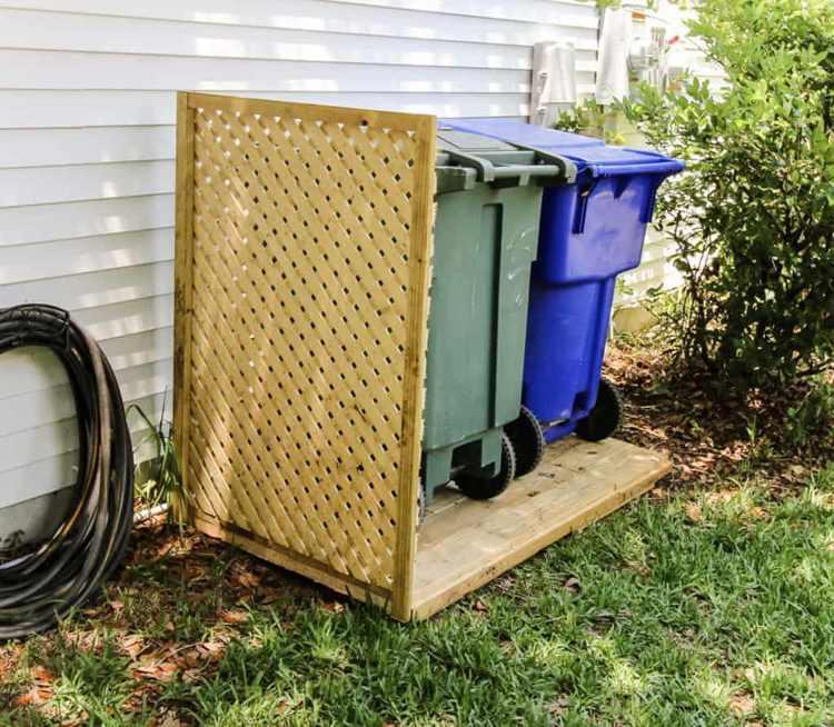 32. Trash Can Privacy Wall DIY