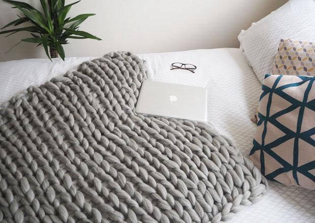 5. DIY Chunky Knit Blanket