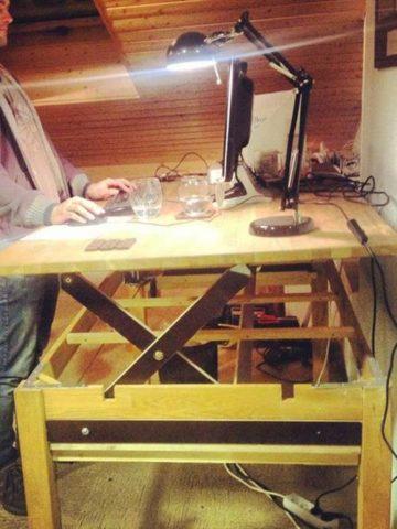 DIY Adjustable Standing Desk Projects