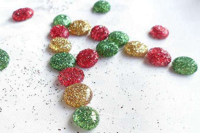 DIY Glitter Ornaments Ideas