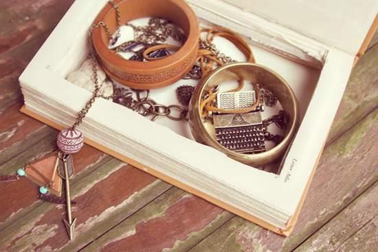 DIY jewelry box Ideas
