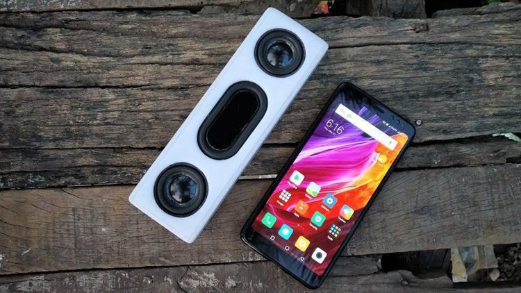 14. DIY Bluetooth Speaker With Powerbank