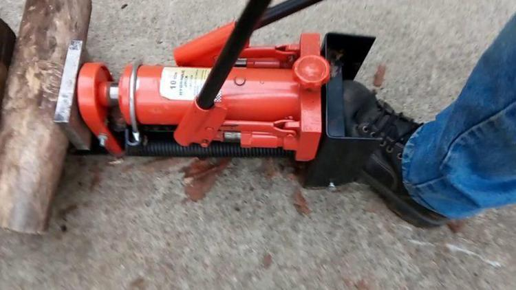 15. How to Make a Log Splitter with a Hydraulic Jack