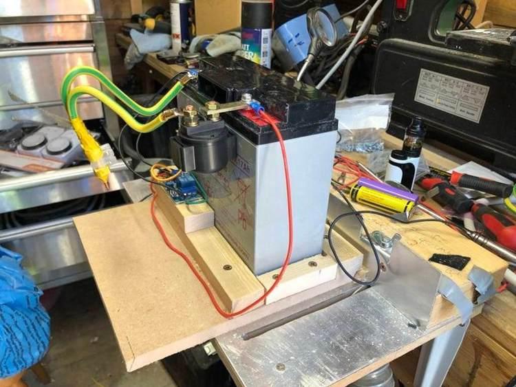 18. Simple Battery Spot Welder
