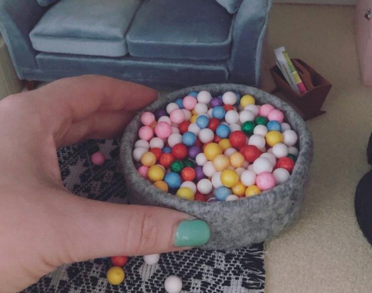 23. Mini Ball Pit DIY