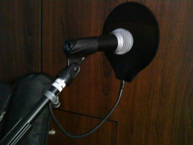 4. DIY Cheap Microphone Pop Filter