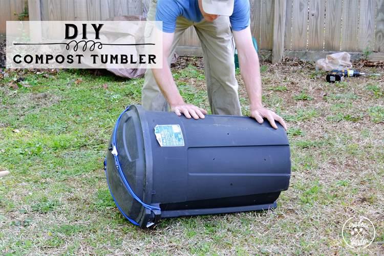 14. Cheap DIY Compost Tumbler