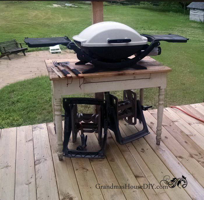 15. DIY Outdoor Grill Station