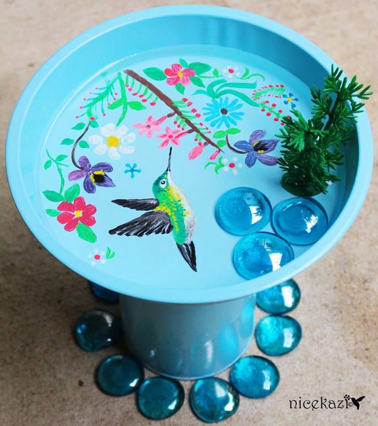 16. Cute DIY Bird Bath